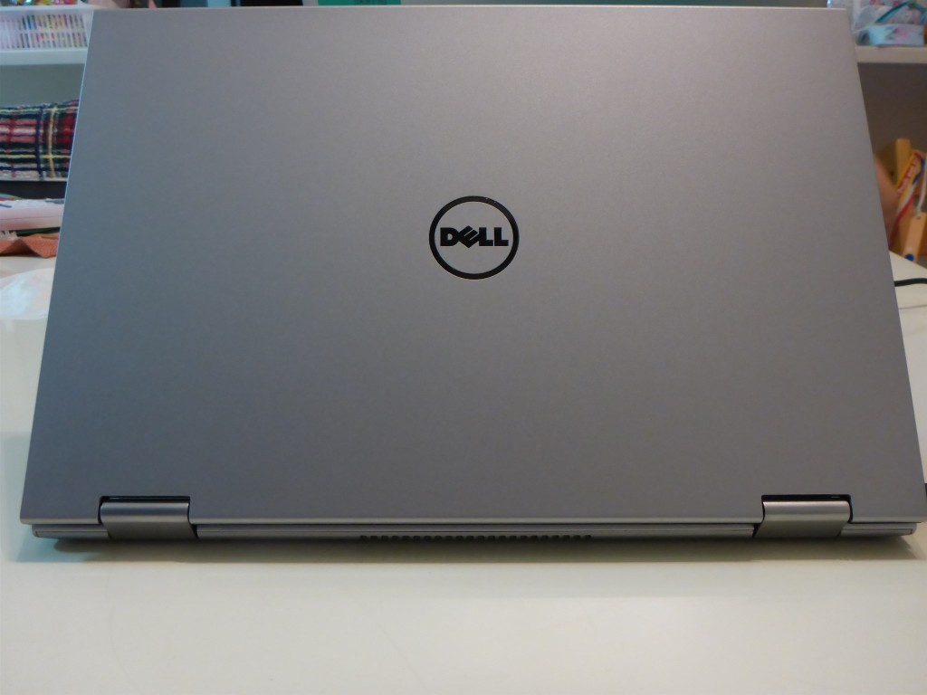 DELL Inspiron 11 2in1 傷
