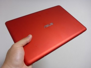 3万円の980gノートPC『ASUS EeeBook X205TA-B』が到着!開梱の義とファーストレビュー