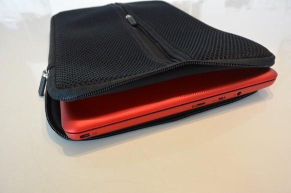 ASUS EeeBook X205TA-B にぴったりなPCケース