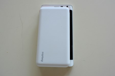 EasyAcc PB8000CB モバイルバッテリー レビュー