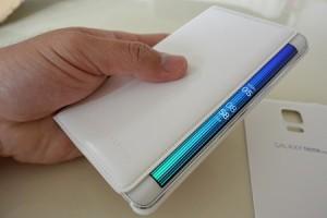 au Galaxy Note Edge(SCL24)に純正フリップカバーを付けてみたが・・・