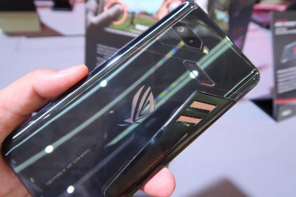 ASUS初のゲーミングスマホ『ROG Phone』の実機見てきた!