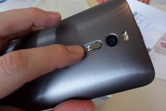 ZenFone2 first review