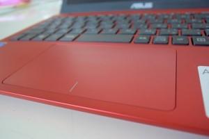 ASUS EeeBook X205TA タッチパッド レビュー
