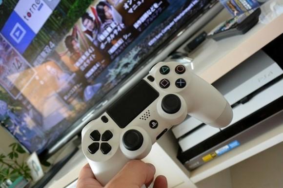 PS4 うるさいファン音対策に静音ファンを設置してみた
