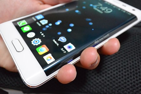 GALAXY NOTE EDGE SCL24 レビュー