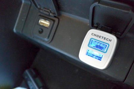 車でも急速充電を!『CHOETECH Quick Charge2.0対応急速充電カーチャージャー』レビュ