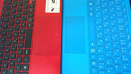 Surface Pro4 vs ASUS EeeBook X205TA-B キーボード比較