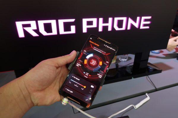 ASUS初のゲーミングスマホ「ROG Phone」が国内販売開始! お値段約12万円~
