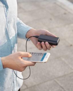 手のひらサイズなのに10000mAhの大容量モバイルバッテリー「Anker PowerCore 10000 Redux」が発売