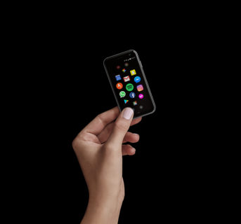 3.3インチスマホ「Palm Phone」日本上陸も~安易に飛びつかないほうがいい理由